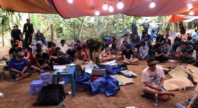 Triệt phá đường dây đánh bạc, bắt giữ 115 nghi can ở Tiền Giang